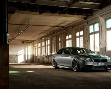 F10 BMW M5 by Manhart Racing