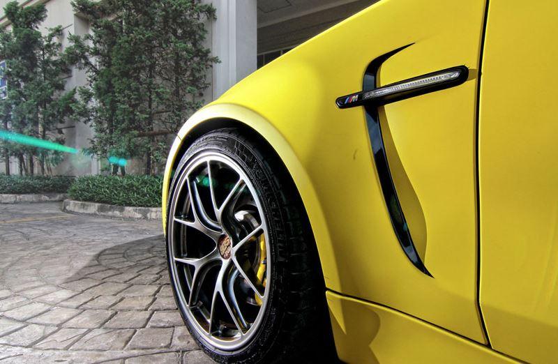 Tuned BMW 1M
