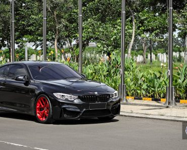 Black Sapphire F82 BMW M2 on Red HRE Wheels (6)