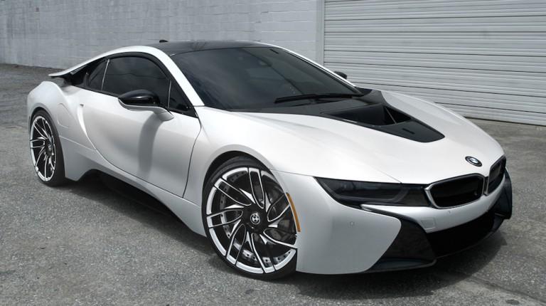 BMW i8 Savini wheels