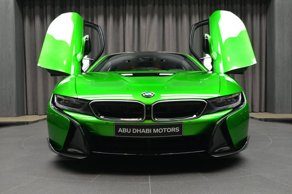 bmw-i8-in-lava-green-2