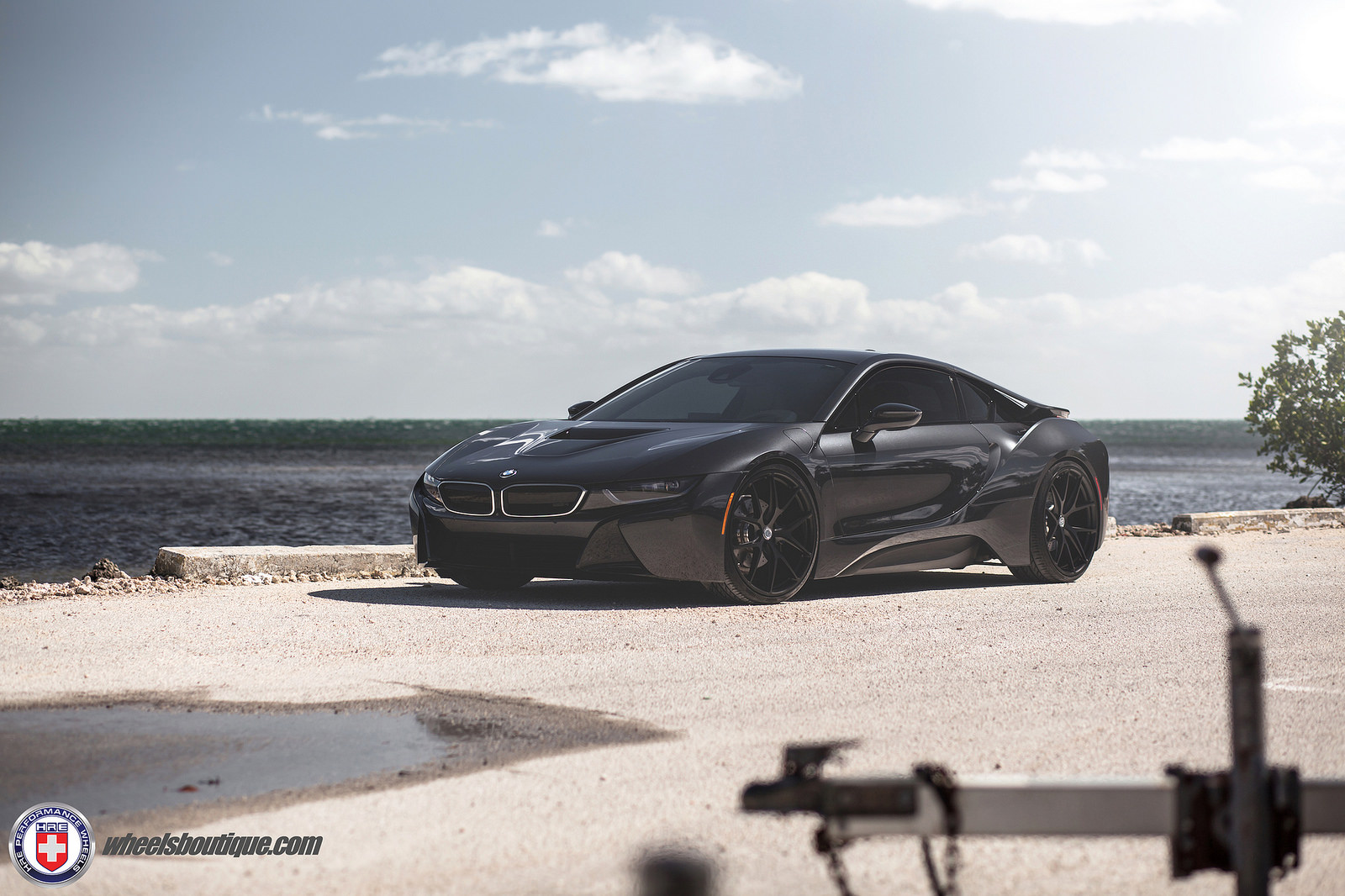 bmw-i8-on-hre-wheels-9