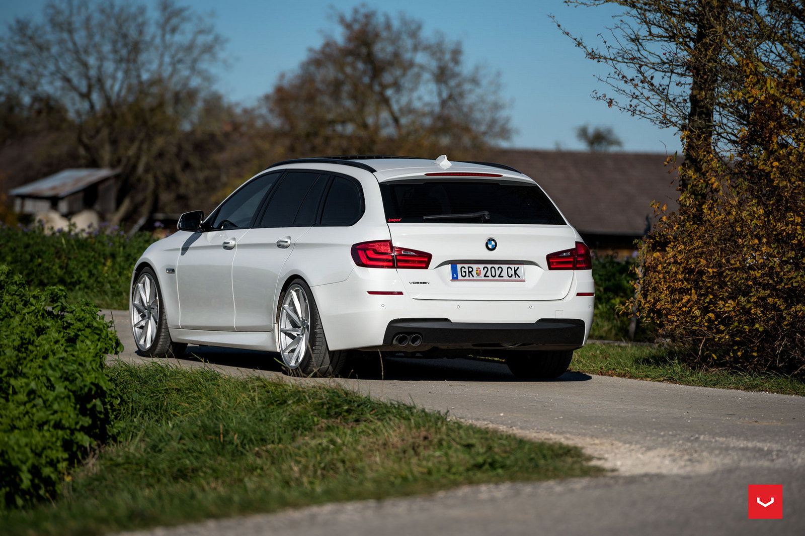 bmw-5-series-touring-rides-on-vossen-wheels-8