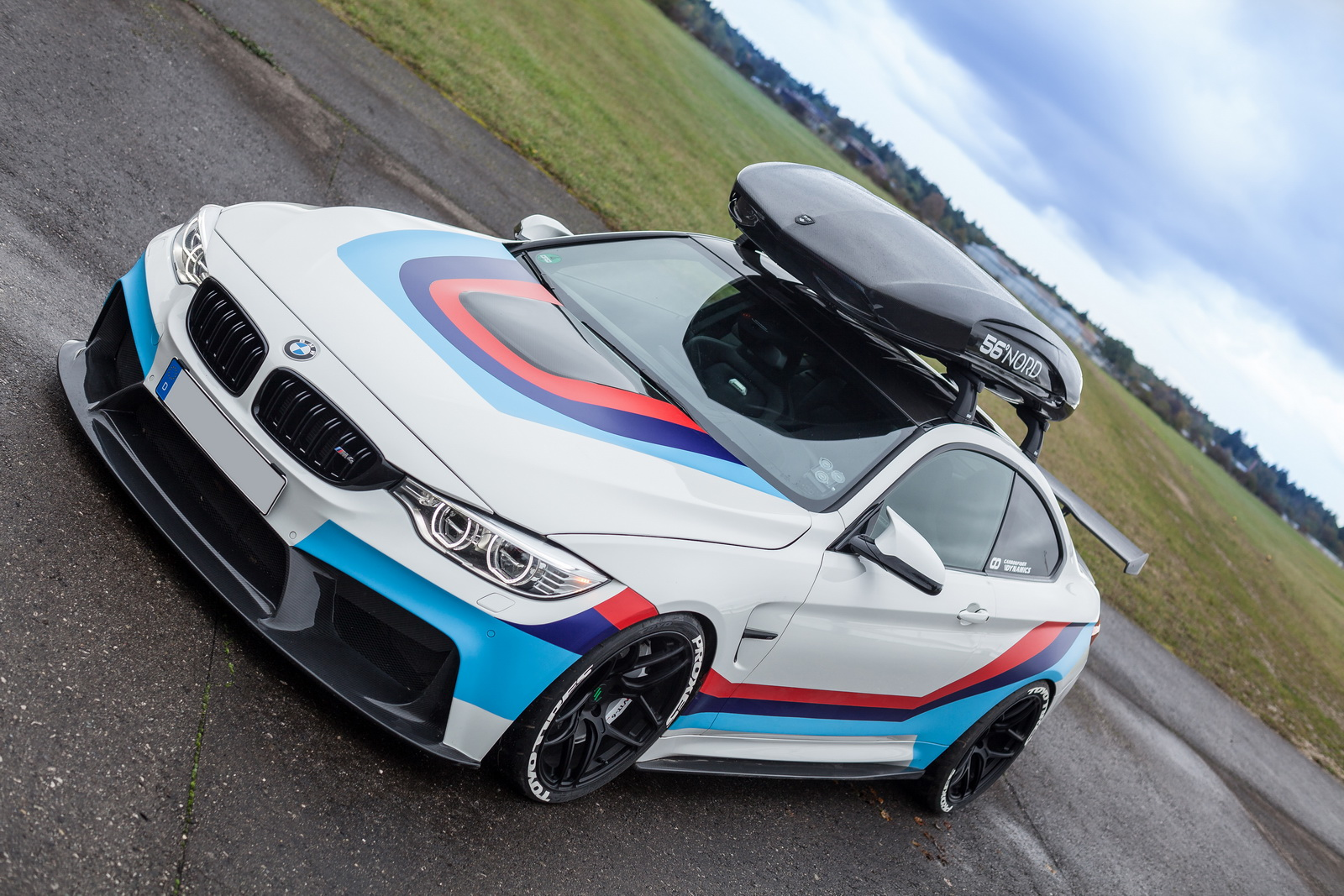 bmw-m4r-by-carbonfiber-dynamic-11