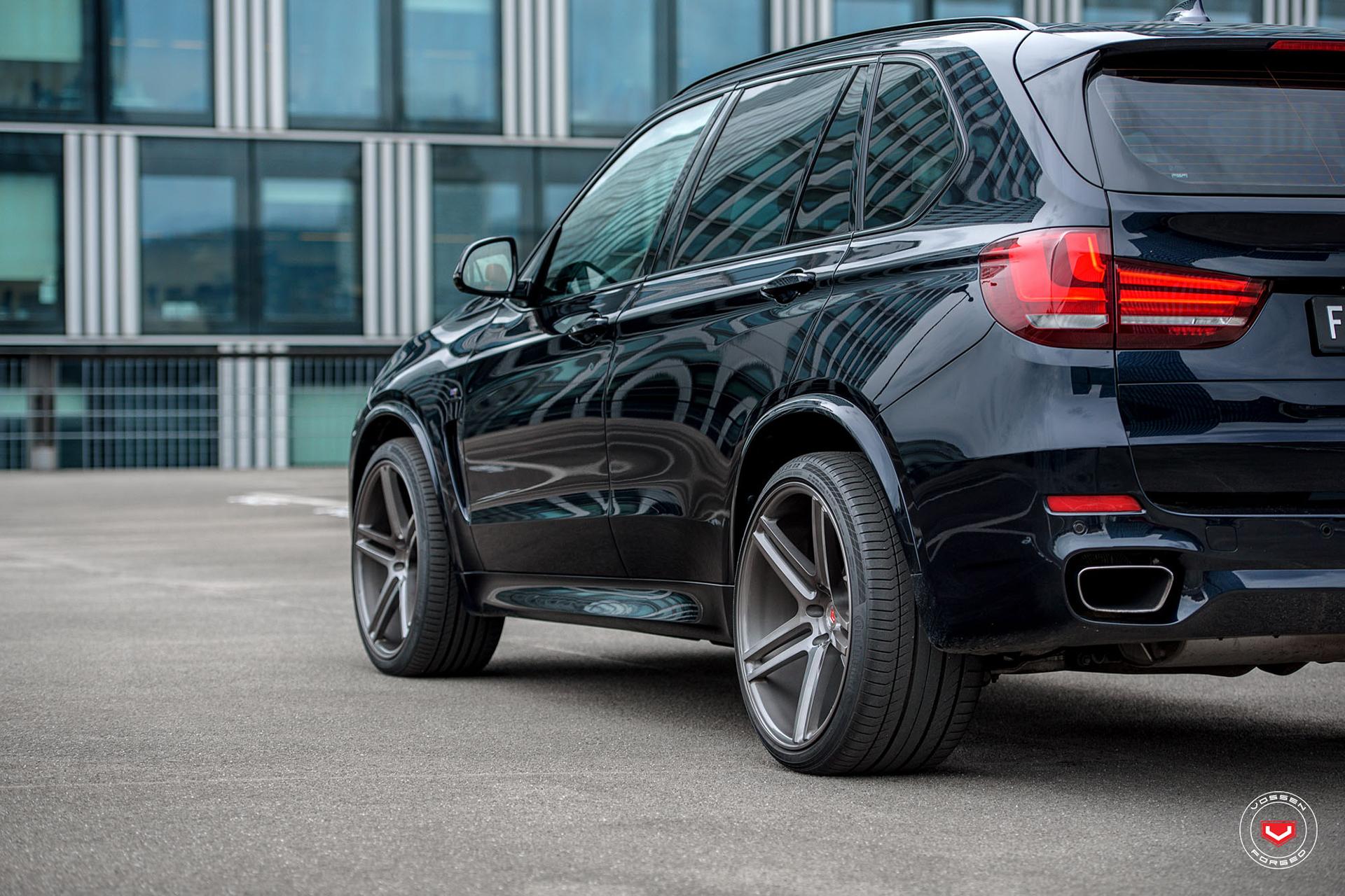bmw-x5-on-vossen-wheels-15