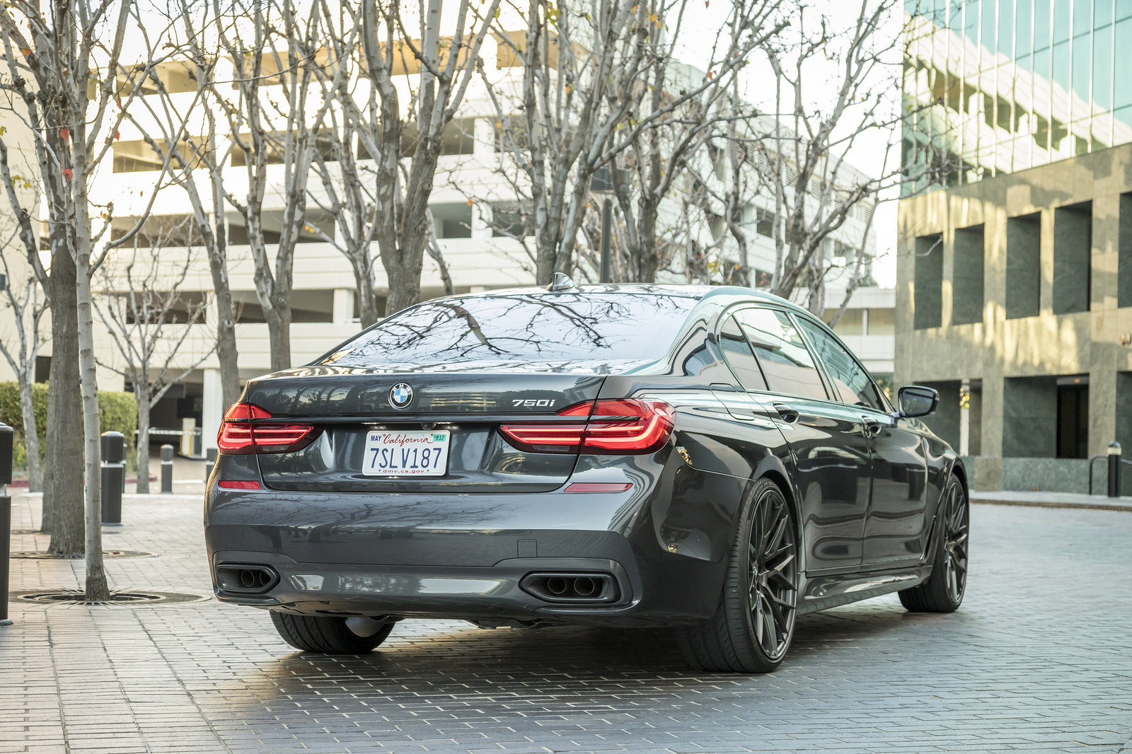 BMW 7-Series Wrapped in V-FF 107 Wheels (13)