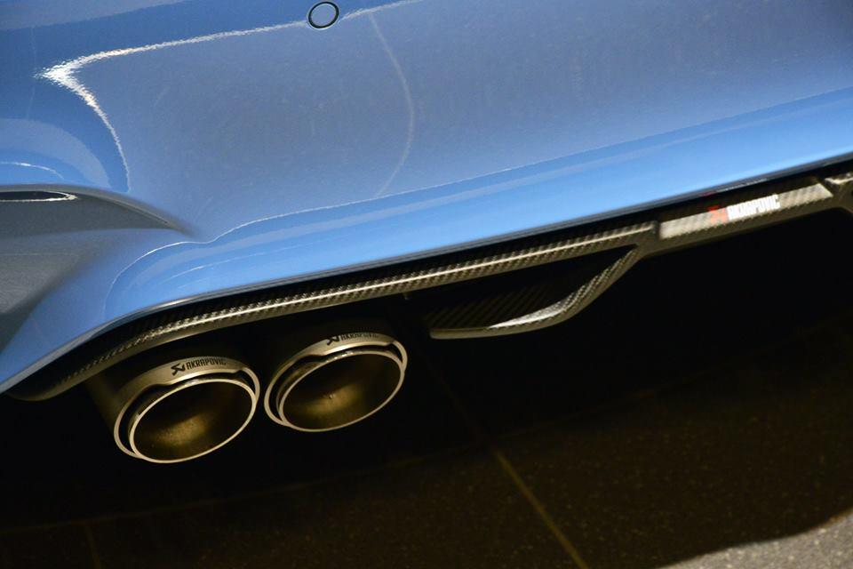 Yas Marina Blue F82 BMW M4 (10)