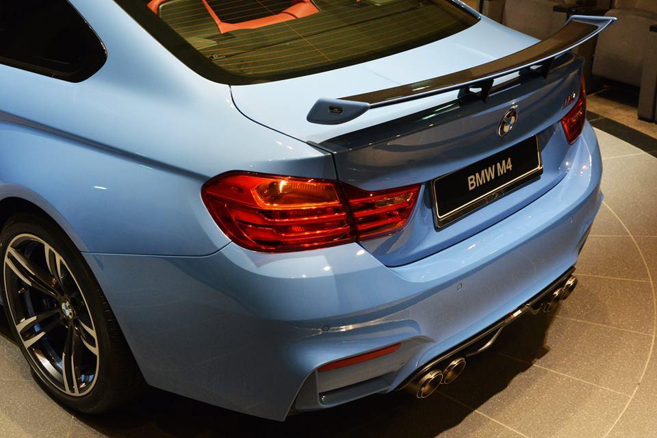 Yas Marina Blue F82 BMW M4 (11)