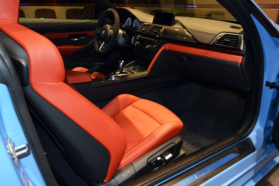 Yas Marina Blue F82 BMW M4 (19)
