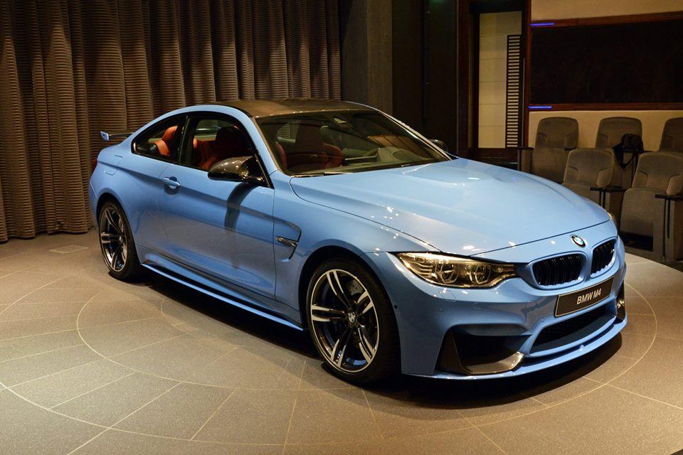 Yas Marina Blue F82 BMW M4 (4)