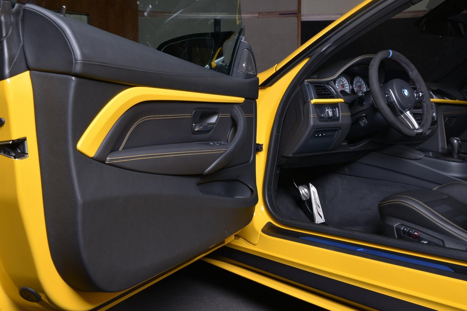 Yellow F82 BMW M4 Individual (13)