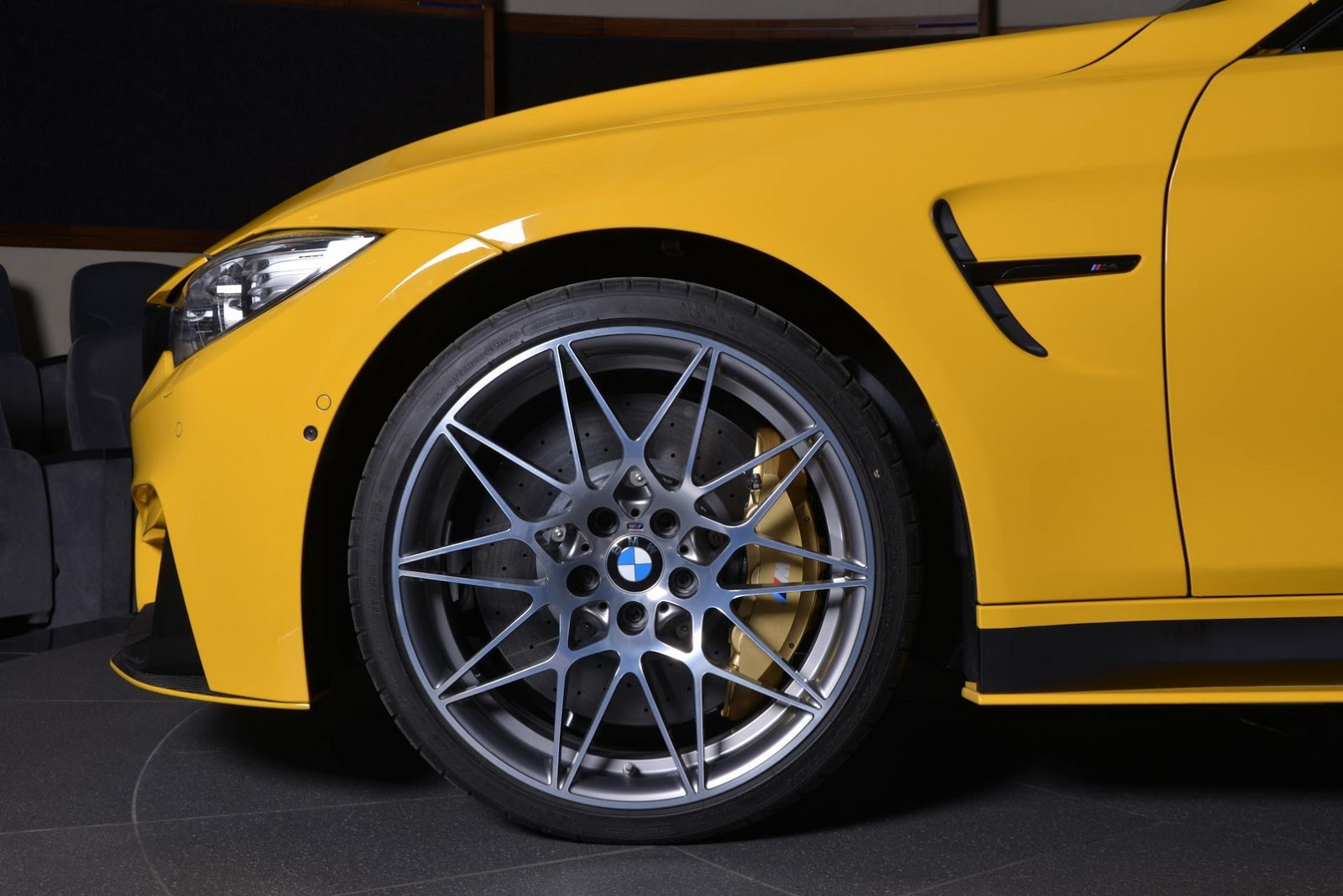 Yellow F82 BMW M4 Individual (21)