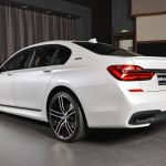 BMW 7-Series 740Le M Sport in Abu Dhabi (17)