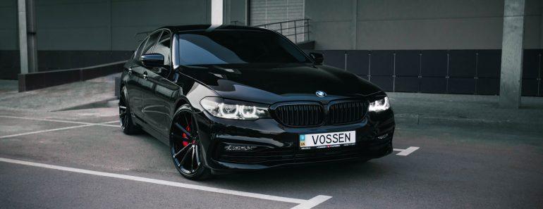 Carbon Black Metallic G30 BMW 5-Series with Vossen Wheels (17)