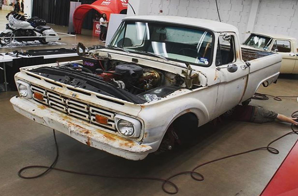 Ford F100 (2)
