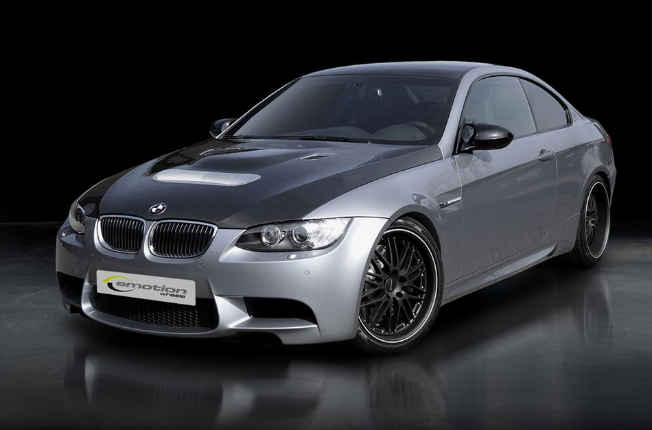 E92 BMW M3 by Emotion Wheels