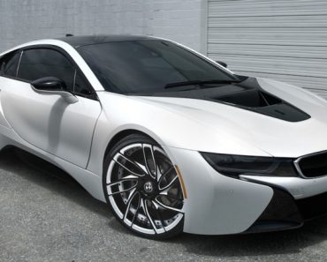 BMW i8 Savini wheels