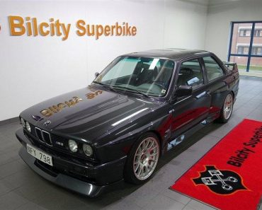 E30 BMW M3 V10