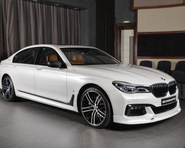 BMW 7-Series 740Le M Sport in Abu Dhabi (10)